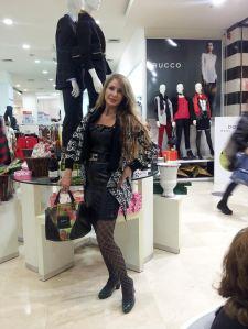 קרדיגן- סוף העולם          שמלת עור- ice  cube     תיק-דזינגואל נעליים- קליגולה
