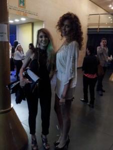 אלה רן מלכת היופי ב2011 לבושה בשמלה במשחקי שקיפות של אסוס בצבע ניוד עם פאייטים.